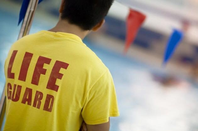 National Pool Lifeguard course - In Safe Hands training