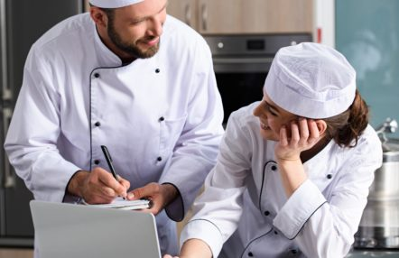 e-learning Level 2 Food Safety - In Safe Hands training